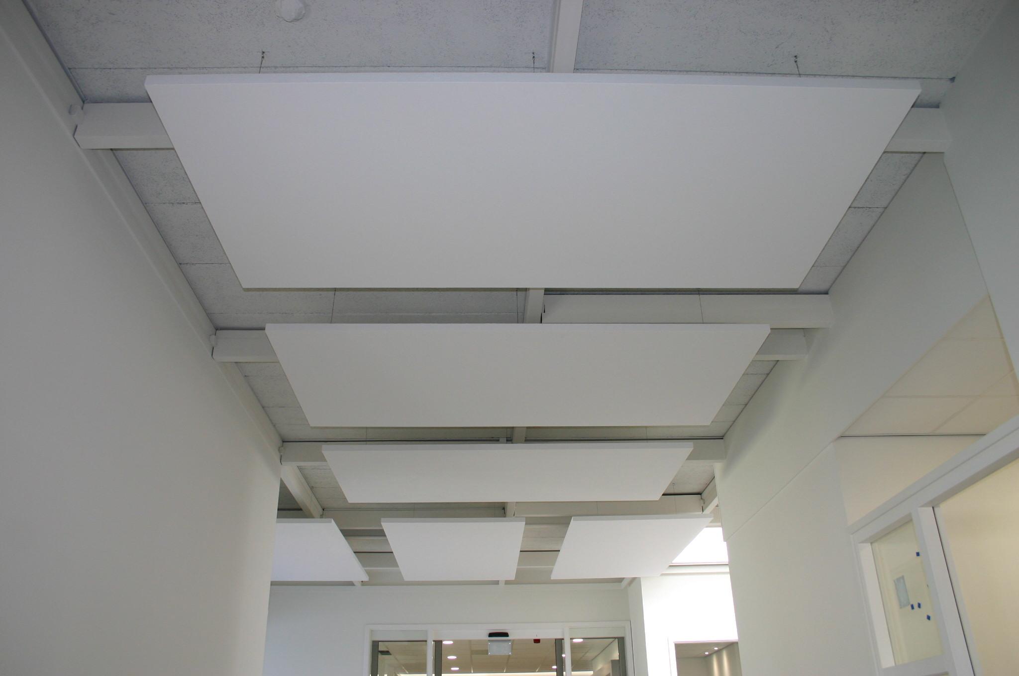akoestisch systeemplafond plafondeiland plafondplaten akoestiek wit rechthoek