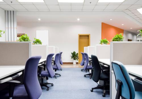 akoestiek op kantoor werk verbeteren geluidsabsorptie geluidsisolatie